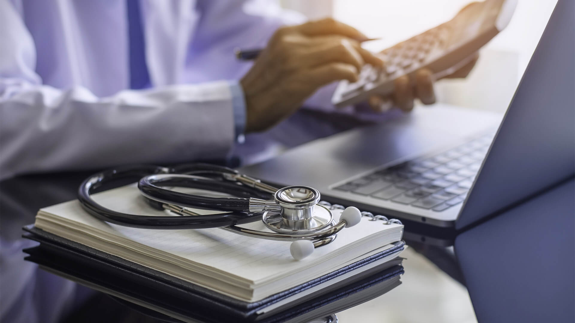 Tax Tips for Healthcare Professionals in 2022